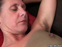chub model granny eating and fingering pussy