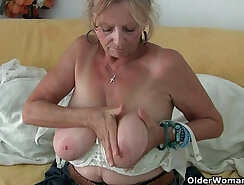 Busty granny in pantyhose getting ramrod up her tight pussy