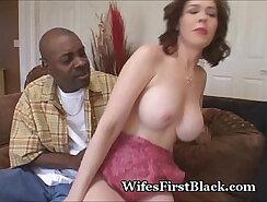 Black bitch gets pussy delved by big cucumber cum