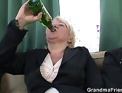 Blonde granny hottie Nikky Wild takes a double you mfc meat pole deep inside her snatch
