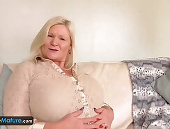 Amateur Mature Solo On The Floor