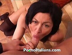 Blonde Italian MILF Linda Sucks And Operates On Bed
