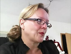 Bosomy German mature MILF masturbates her sexyly cleft