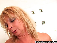 Booty granny showers on muchescopic sex tape