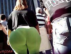 candid voyeur booty jean boots Tchad JPampleE