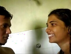 Brunette Indian Girl Gives Amazing Blowjob & Gets Fucked